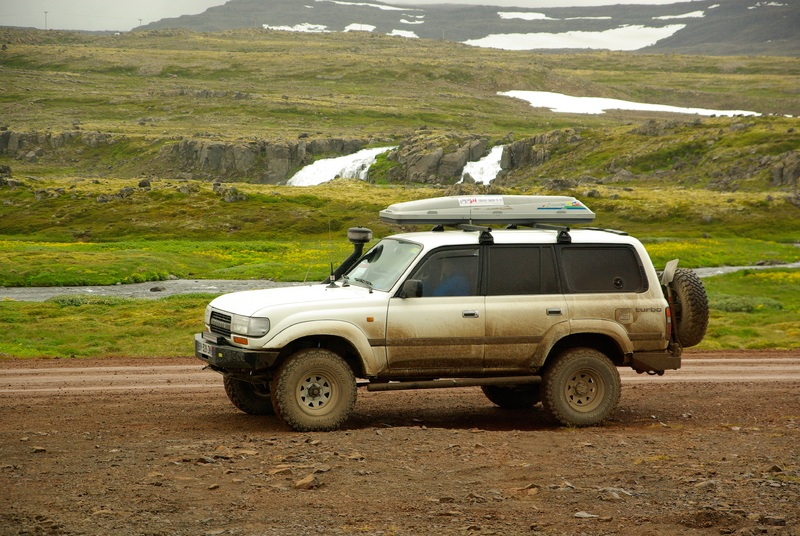 track-car-adventure-vehicle-iceland-bumper
