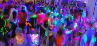 Les incontournables pour une soirée fluorescente